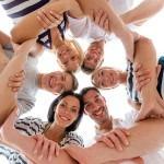 Gruppenbild, Zusammenhalt, Tantra hilft, Lächeln